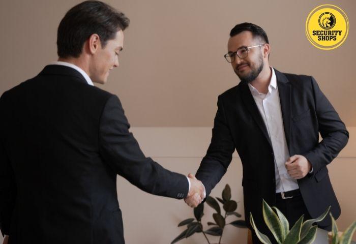 hombres empresariales aliados
